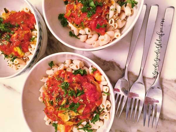 Banza pasta marinara that's easy to make and tastes great both vegan and gluten-free