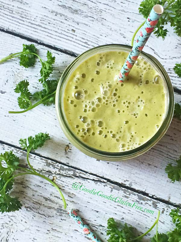 healthy cantaloupe green smoothie