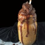 healthy vegan chocolate pudding smoothie that's guilt free! This babe is sugar-free, nut-free, gluten-free, paleo & sugar-free