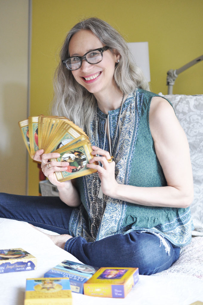 Book an Intuitive Reading with Julie Rosenthal and leave with clarity!
