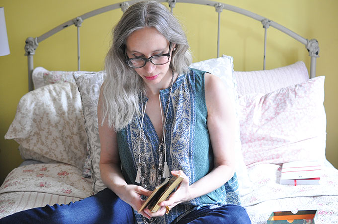 Book an Intuitive Reading with Julie Rosenthal Certified Health and Life Coach