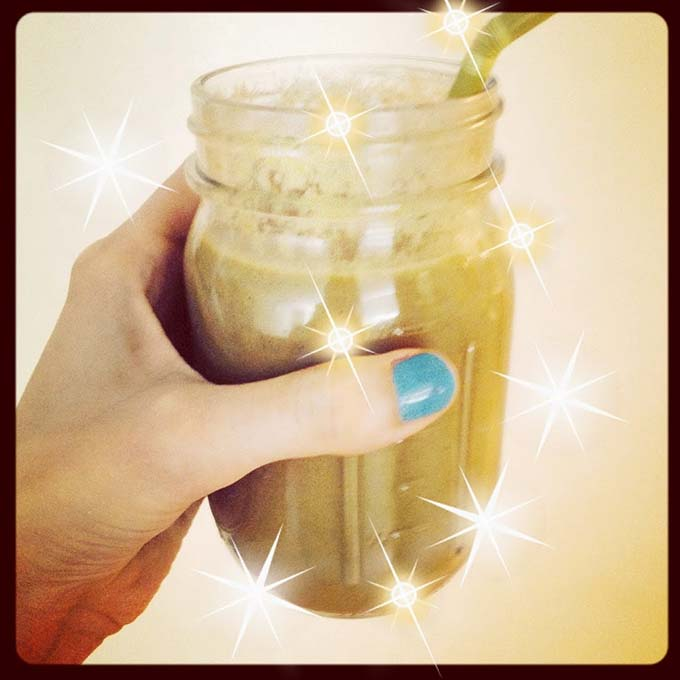 a lovely homemade smoothie that tastes like tootsie rolls but is healthy